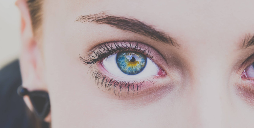 mirada ojos azules