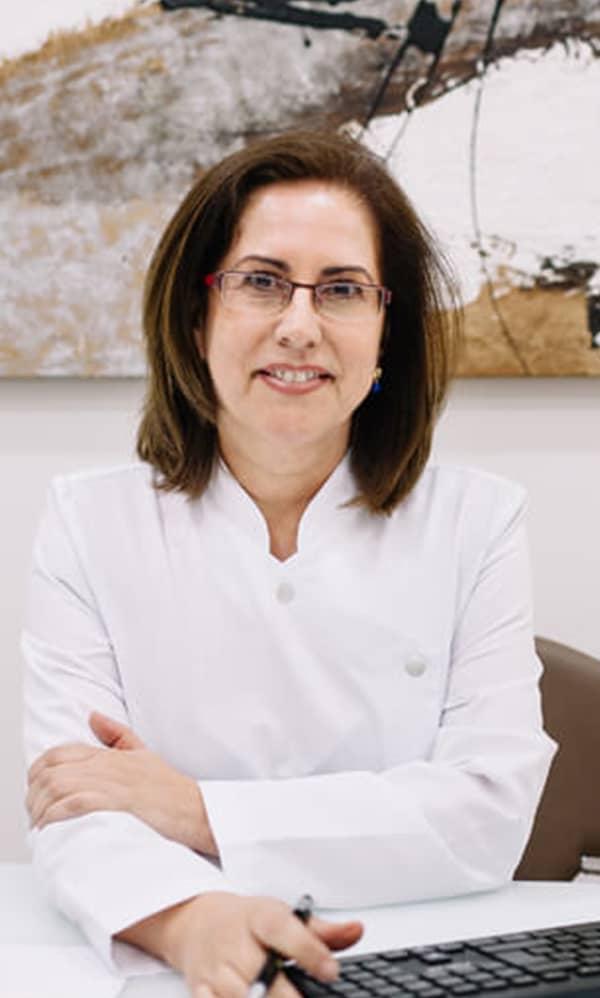 Dra M. Dolores Robina Clínica Ixora Sevilla